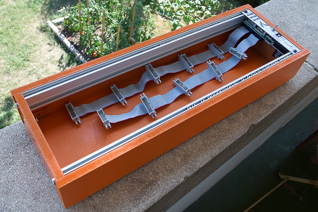 orange eurorack modulare case with tiptop uzeus